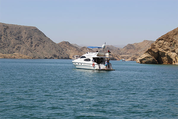 Bandar Al Khairan Island excursion